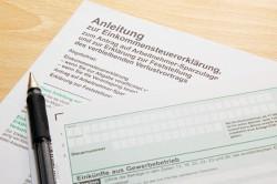 Formblätter zur Steuererklärung ©istock.com/Edin