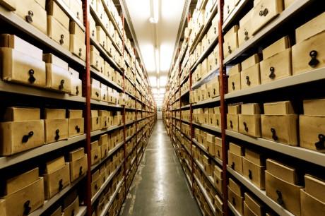 Archiv zur Aufbewahrung von betrieblichen Dokumenten  © istock.com/urbancow