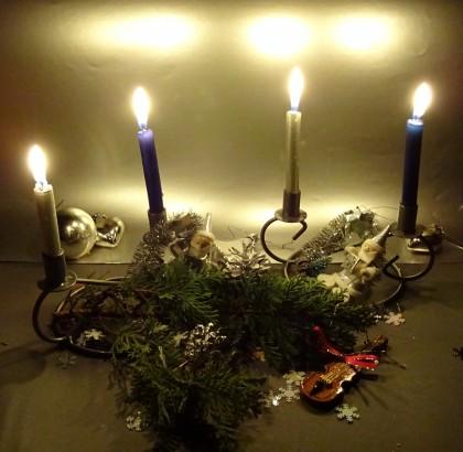 Wenn das 4. Lichtlein brennt, ist es zu spät für Weihnachtsgrüße © Bürodienste-in